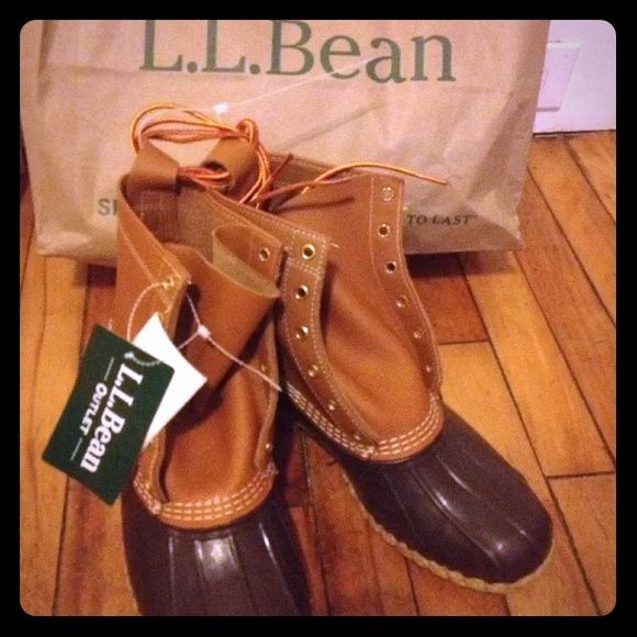 """LL Bean thinsulate 8"""" duck boots mens 8 fits 9 LL Bean authentic duck boots mens size 8 new with tags from LL bean Freeport Maine made in Brunswick Maine factory L.L. Bean Shoes Winter & Rain Boots"""