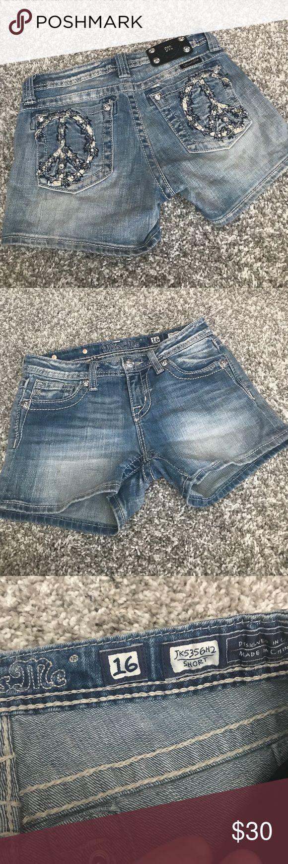Girls miss me jean shorts sz 16 Girls miss me shorts sz 16 like new worn twice . Look amazing can fit women's I think miss me Shorts