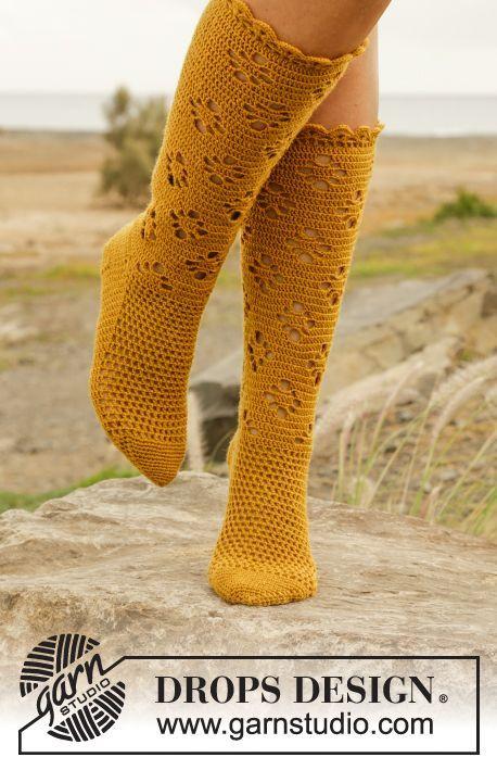 "Walking on Sunshine - Virkattu DROPS pitsisukat ""Fabel""-langasta. Koot 35 – 43. - Free pattern by DROPS Design"