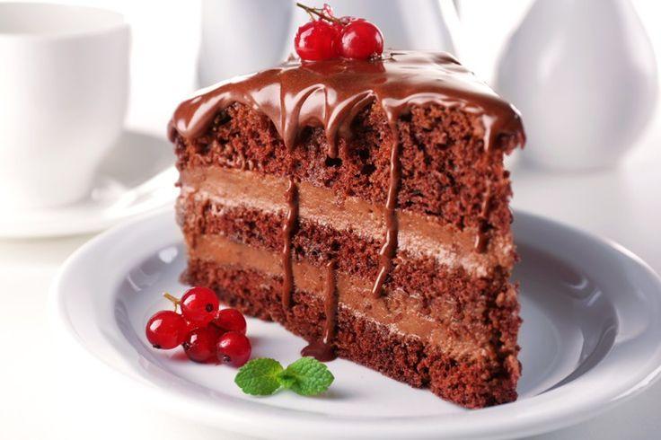 La torta cioccolato e ricotta con crema al mascarpone è un dolce davvero delizioso, dalla consistenza pastosa che si scioglie in bocca. Ecco la ricetta