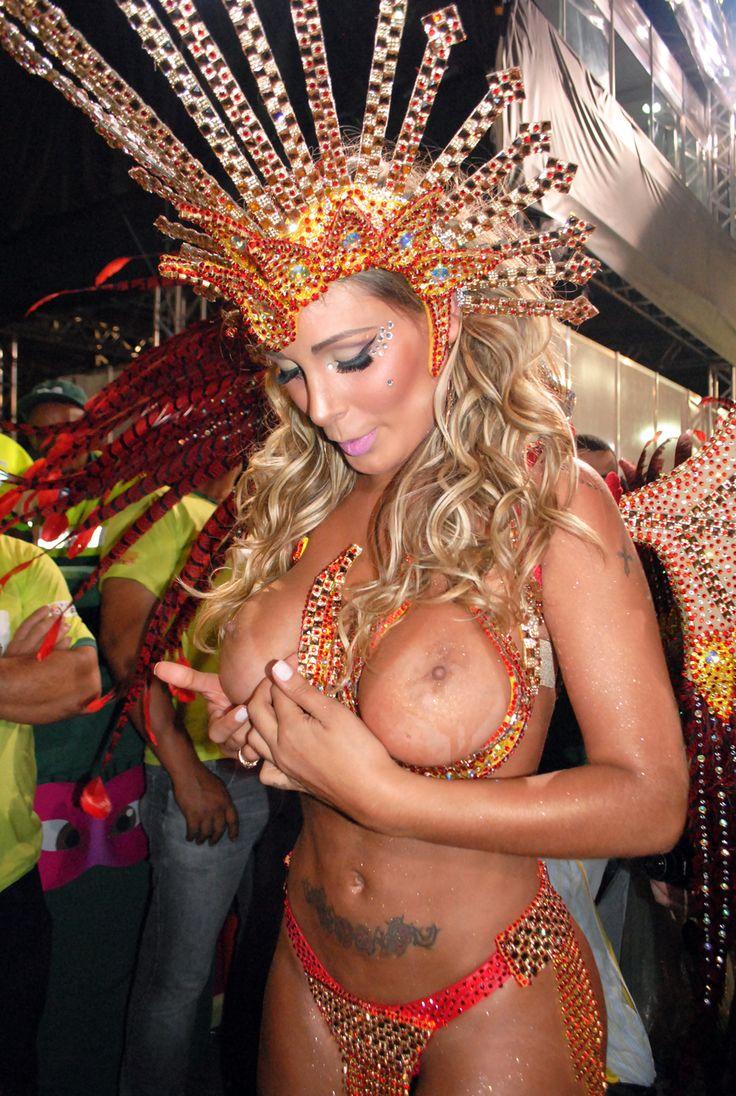 Sexy rio carnival photo