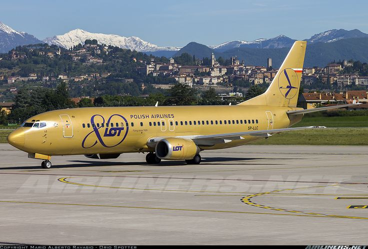 LOT POLISH AIRLINES 80 ANNIVERSARY LIVERY Boeing 737-45D @ BGY