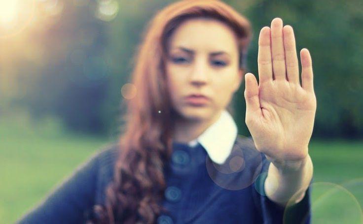 Quando alguém é rude com você, é difícil não ficar chateado. Sua reação inicial é, muitas vezes, descontar. Se você resistir a seus sentimentos de ficar co