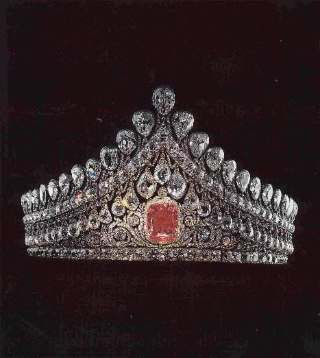 Imperial wedding tiara. Over 1,000 diamonds with a 13 carat pink diamond. The wedding of Nicholas II and his Alix of Hesse (granddaughter of Queen Victoria). Romanov family jewels. [Russian Royalty]