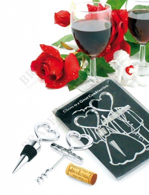 Набор подарочный: пробка и штопор «ЖЕНИХ И НЕВЕСТА» АРТИКУЛ: SU 0001 Ищите изысканный и полезный подарок для ценителей благородного напитка? Набор подарочный «ЖЕНИХ И НЕВЕСТА» - изящный винный набор, выполненный из нержавеющей стали. Он состоит из штопора и универсальной пробки-воротничка, которая подходит как для винных бутылок, так и бутылок других алкогольных напитков. Подарочный набор «ЖЕНИХ И НЕВЕСТА» также может стать идеальный решением в качестве памятного презента от новобрачных…
