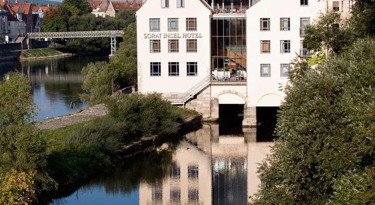 €109 Dieses Designhotel in Regensburg genießt eine einzigartige Lage auf einer kleinen Insel an der Donau und begeistert mit einer malerischen Aussicht auf den...
