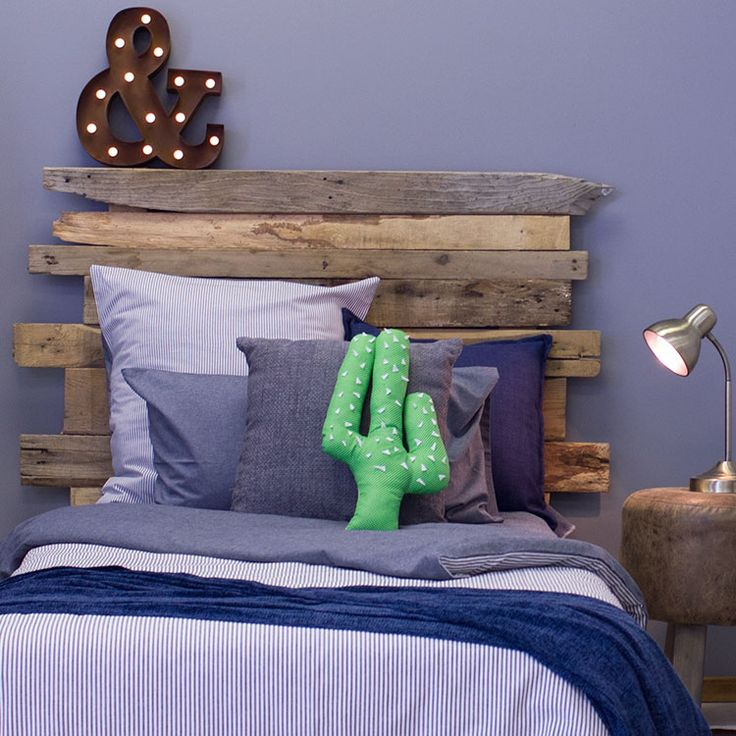 Explore the wildwest with our Lucky Luke Blue single and 3/4 kids bedding sets.