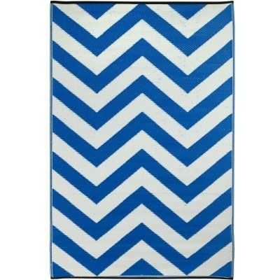 Fab Habitat Laguna Indoor/Outdoor Rug, 3 by 5-Feet, Regatta Blue and White by Fab Habitat. $39.99. Reversible: change the look of your décor. Woven from straws made up of recycled plastic. Washable: just shake or hose off for easy cleaning. Actual colors may vary from the image(s) shown due to manufacturing limitations. Suitable for indoor and outdoor uses; Lightweight: comes with jute bag. This tried and true chevron pattern is classic in any setting. Evoke a...