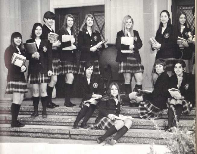 Catholic school girls uniform tartan plaid 1970 | If you wer… | Flickr