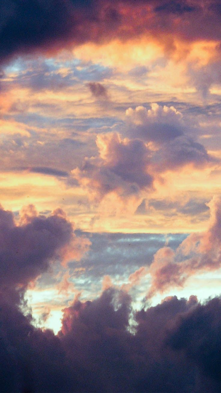 13 Fluffy Cloudy Iphone Xr Wallpapers Preppy Wallpapers Preppy Wallpaper Sky Aesthetic Iphone Wallpaper