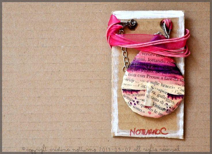 Collana in cartapesta                               Papiermache necklace