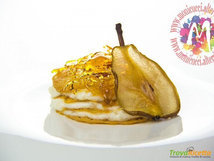 Millefoglie di crema di riso alle pere, limone e cardamomo con tuile al miele, sfoglie di pera e caramello  #ricette #food #recipes
