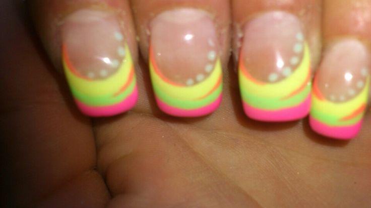 Mis uñas de colores fluor