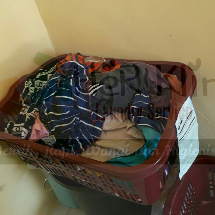Pusing lihat banyak pakaian kotor??? Tidak usah bingung 😊😊😊  Langsung merapat ke @HeRKlin_Laundry aja Melayani paket kiloan dan satuan Juga tersedia paket bulanan dengan harga MENARIK    DROP YOUR LAUNDRY HERE  @HERKLIN_LAUNDRY  jl. Mesjid no 86 Maruga Ciater Serpong ======================================= Juga melayani service laundry bedcover, boneka, handuk, sprei dll =======================================   #herklinlaundy #laundry #laundryroom #laundryservice #laundrykiloan…