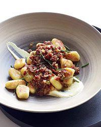Potato Gnocchi with Pastrami Rag: Food Recipes, Potatoes Recipes, Dinners Recipes, Pastrami Ragu, Potatoes Gnocchi, Gnocchi Recipes, Pastrami Ragù, Cream Sauces, Pastrami Rag Ugrav