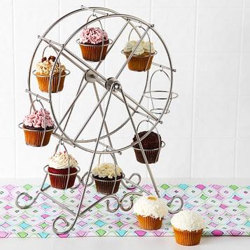 cupcake ferris wheel!Cupcakes Ferris, Wheels Cupcakes, Birthday Parties, Cake Stands, Cupcakes Display, Ferris Wheels, Cupcakes Holders, Cupcakes Rosa-Choqu, Cupcakes Stands
