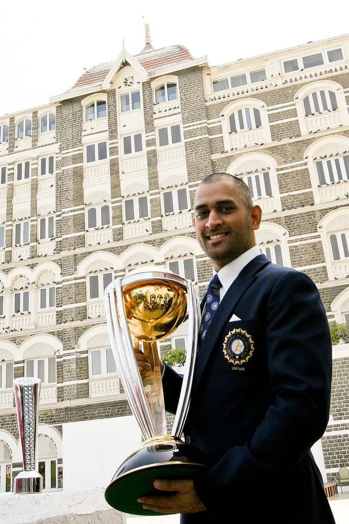 Mahendra Singh Dhoni with the 2011 World cup.