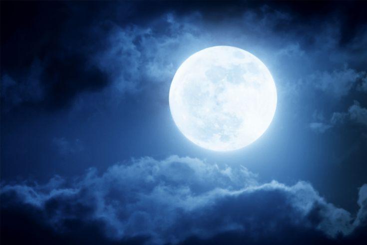 Két+kutató+úgy+vélekedik,+hogy+a+Hold+vulkánjai+3,5+milliárd+évvel+ezelőtt+elég+gázt+bocsátottak+ki+ahhoz,+hogy+a+mai+Marshoz+hasonló+atmoszférája+alakuljon+ki.+Első+látásra+nem+lehet+észrevenni,+de+a+Holdnak+most+is+van+egy+kis+légköre+–+százmilliárdszor+lazább,+mint+a+Földé,+az+atomjai+olyan…