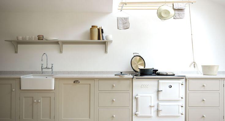 Shaker Kitchen Esse Range cooker - no extractor fan?