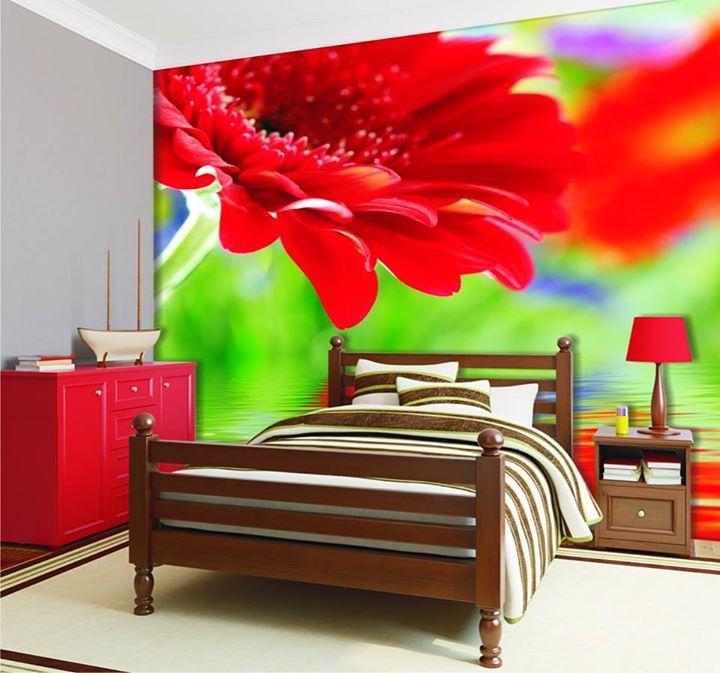 Mocna czerwień - fototapeta w sypialni