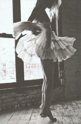 tiny dancer: Dancing, Inspiration, Art, Beautiful, White, Things, Dance, Black, Photography
