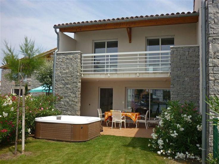 - Maison de vacances au Cap d'Agde - Très belle maison située au cœur du port de plaisance du Cap d'Agde. Location a réserver en Dernière Minute.