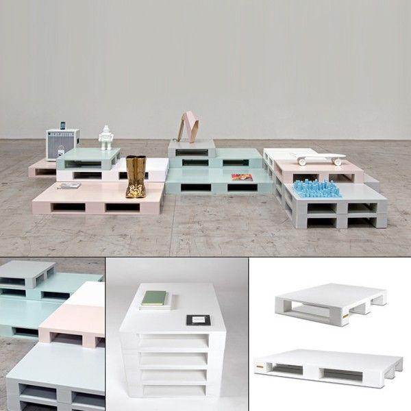 Selab crea per il nostro arredamento Si Pallet, mobili che ricordano bancali da spedizione, Seletti vi invita a utilizzarli in diversi modi, come tavolino, come sedia, come base di un letto, a voi la scelta.