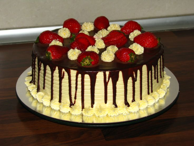 """Snickers"" cake with strawberry IV"