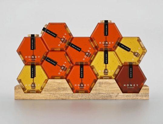 いろいろな積み方でかわいいパッケージ!おしゃれなハニカム構造の瓶のハチミツ – Hexagon Honey