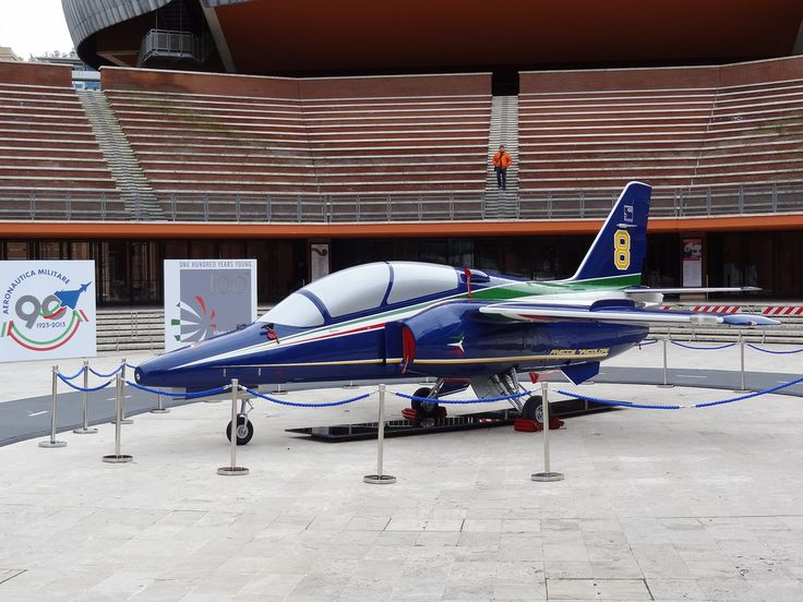 M-345 HET in new Frecce Tricolori display team livery unveiled
