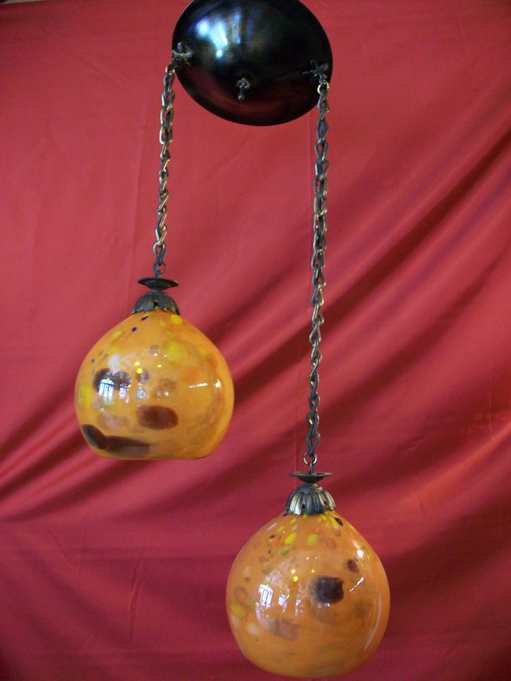 Hanging lamp with blown glass
