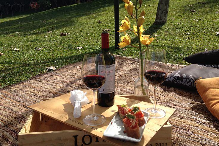 Piquenique... Wine Garden, Vinícola Miolo - Bento Gonçalves, RS   miolo.com.br   #bentogolcalves #serragaucha #riograndedosul #brasil #brazil #vinicola #vinho #enoturismo #piquenique