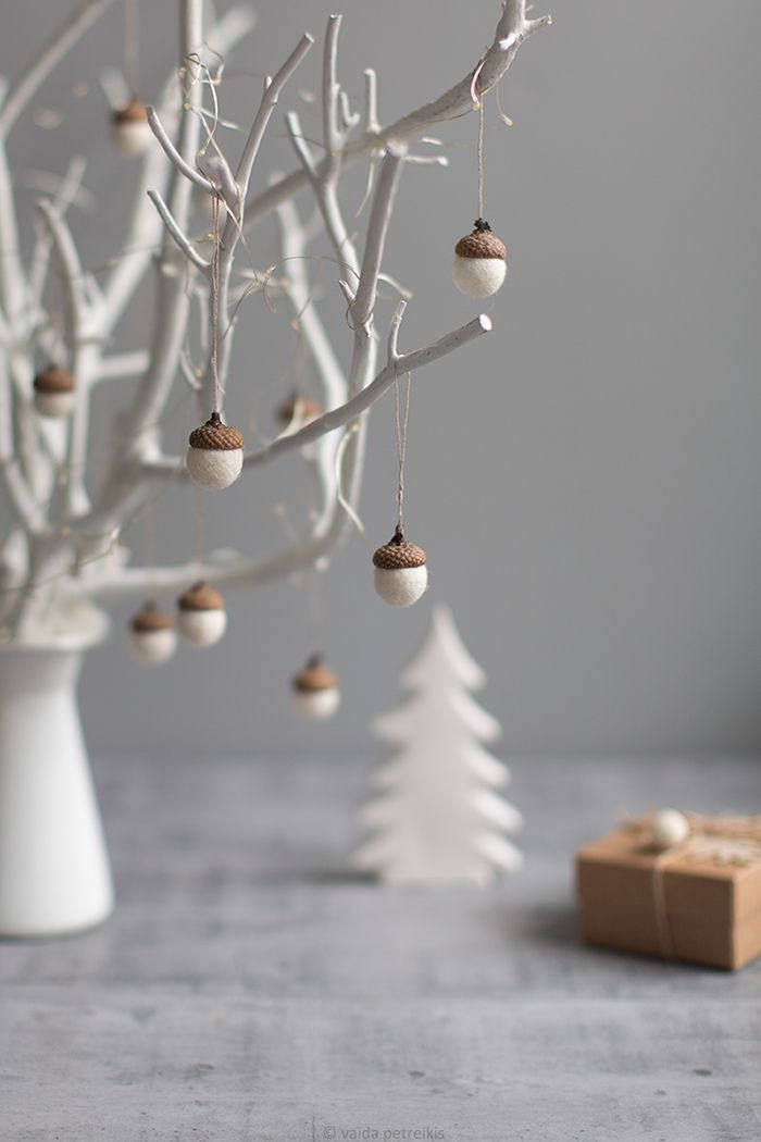 White Christmas ornaments – Felted acorn decorations – Set of 6 magic forest woodland party favors – Coworker gift idea – by Vaida Petreikis