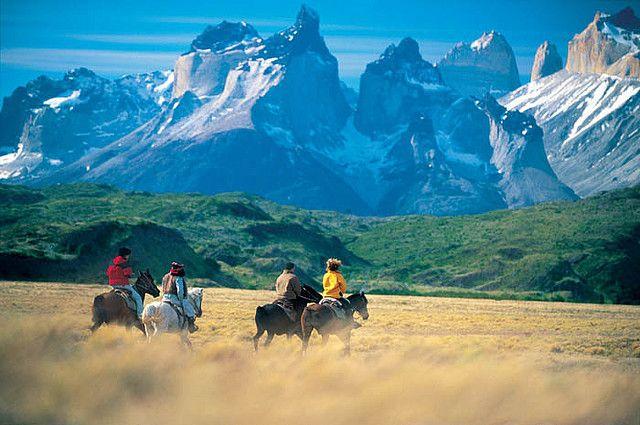 Il viaggio di un cavaliere solitario attraverso il continente americano