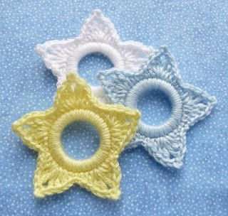 Whiskers & Wool: Star - Christmas Ring Ornament
