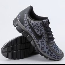 I usually hate animal prints. But these are cute. It is pretty clear I would run faster if I had these :p