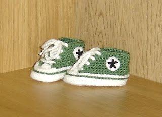 Converse virkade på SVENSKA  virka crochet (Loopsue)  [Livet som pysselkiise: Nytt gratismönster på Baby Converse!