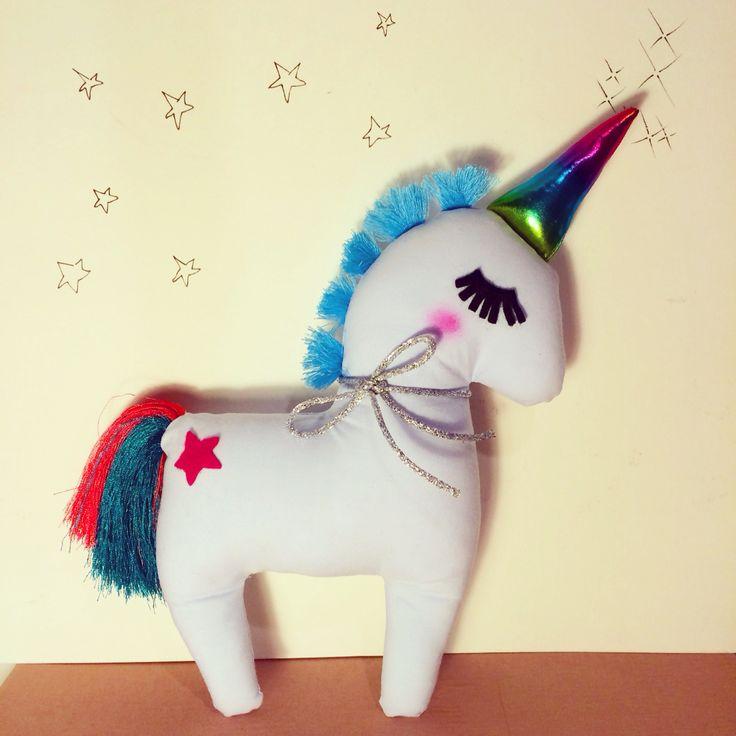 "Dream big ! My unicorn artcrafted by ""tra le nuvole"""