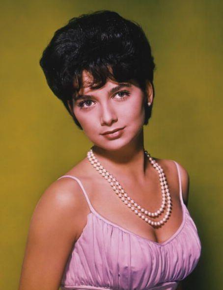 Suzanne Pleshette (January 31, 1937 – January 19, 2008)