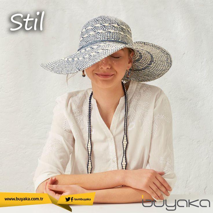 Güneşten korunmanın en stil sahibi yolu; büyük hasır şapkalar! #BuyakaBiBaşka #Stil #Moda #Şapka #BuyakaAvm