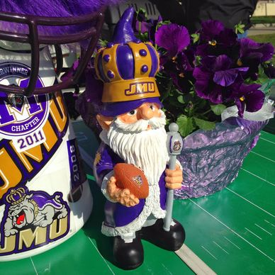 Football Season Photo Diary: My favorite tailgating centerpiece, our JMU football knome #PreppyPlanner