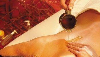 Oli naturali per massaggi rilassanti e rigeneranti