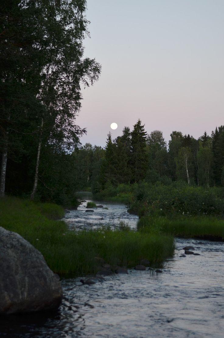 Fullmåne över Åbyälven