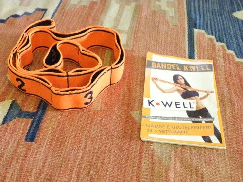 Bendel Kwell esercizi con fascia elastica per gambe e glutei perfetti in sei settimane #angieclausblog #fasciaelastica #elasticbend #training #fitness #workout #orange #bendelkwell  http://angieclausblog.com/2014/10/22/fasce-elastiche-gambe-e-glutei-perfetti-in-6-settimane/