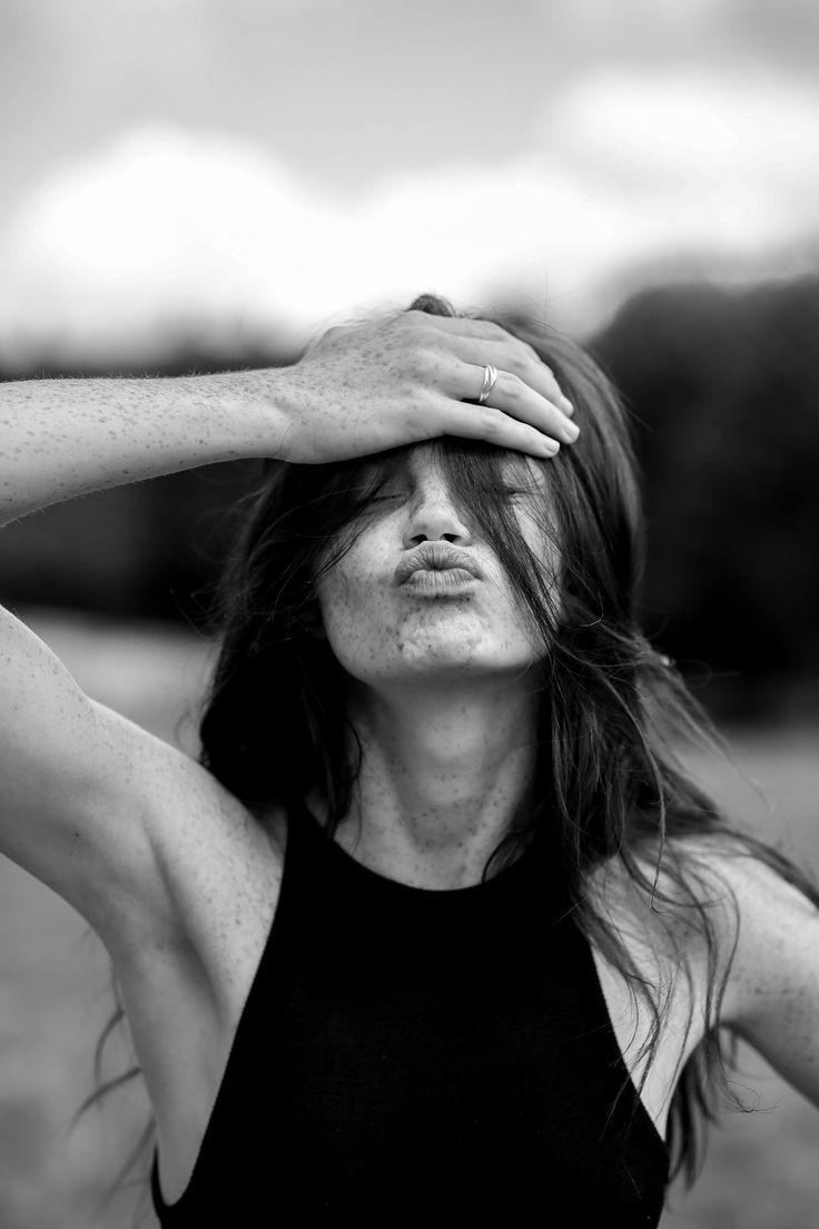 #model #freckles #beauty #atypique #beauté #paris #sexy #inspiration #bisou