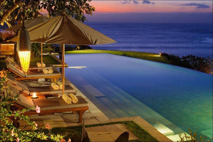 Beach Front villa in #Uluwatu http://www.balilocations.com/fr/villas/jimbaran/bvji809