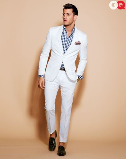 Best white suit for men to wear in this summer. Pair white suite with checked shirt or a tee, and dark shoes. That's will be perfect to present on a party or alfresco dinner.