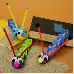 Wiggly Worms Craft: Pipe cleaner, pompoms and craft foam (could work with felt!)