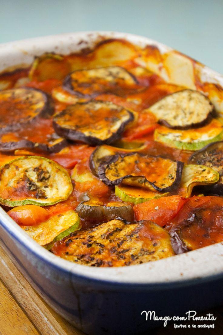 Quer uma receita vegetariana maravilhosa? Que tal conferir essa receita de Ratatouille {Receita Francesa}. Clique aqui e confira no blog Manga com Pimenta.