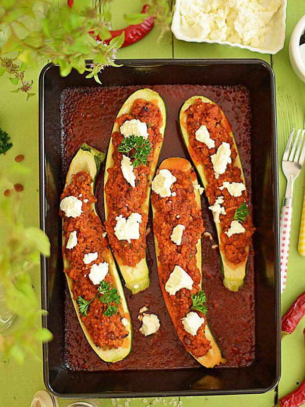 Cukinia faszerowana mięsem z indyka i kaszą jaglaną - zdrowa i fit